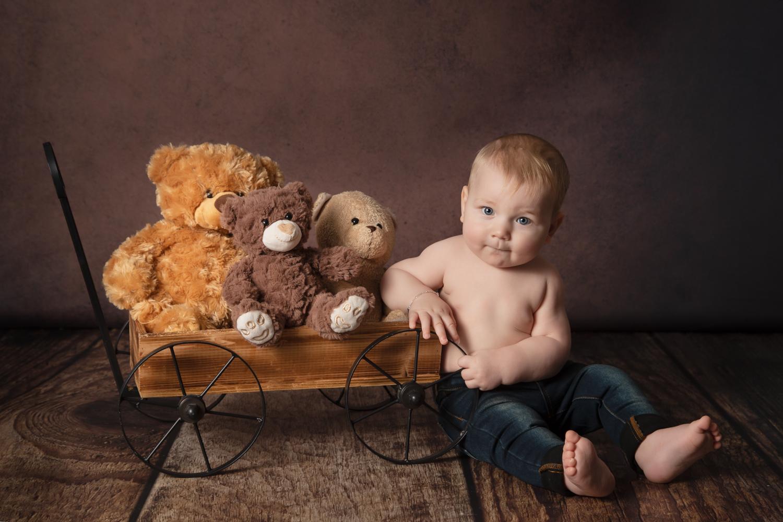 Seance-Bebe-Assis-Photos-Tatiana Brisson-Photographe