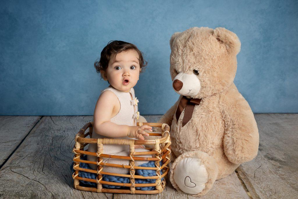 Séance photos en studio, bébé, famille à Etrelles, entre Rennes et Vitré.